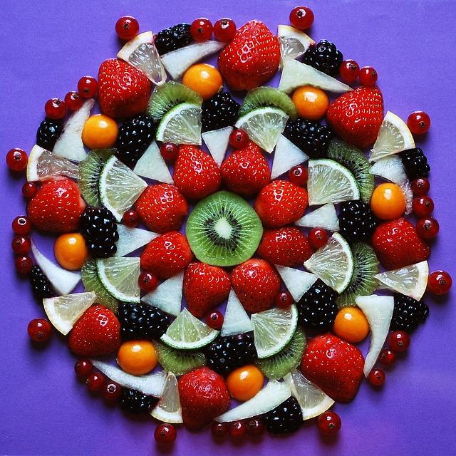 fruits-563384_640
